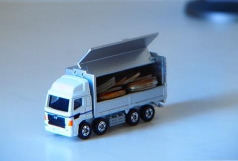 宅配トラック