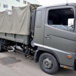 灰色のトラック